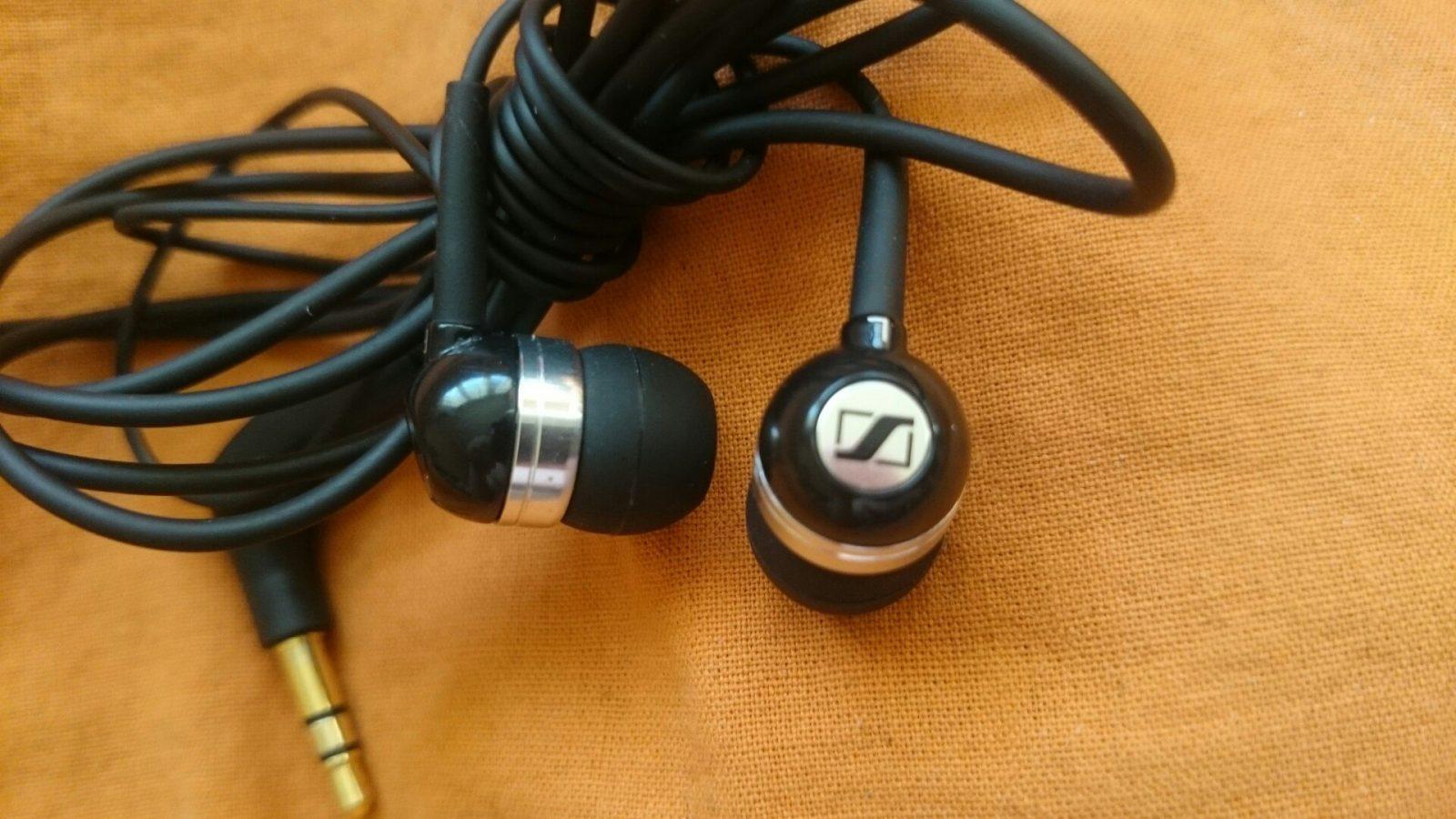 Sennheiser CX 300 II Precision Enhanced Bass Earbuds Review 1