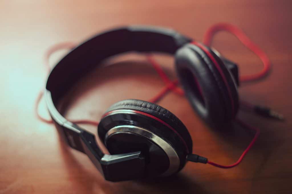The Best Bass Headphones - Bass Head Speakers 1